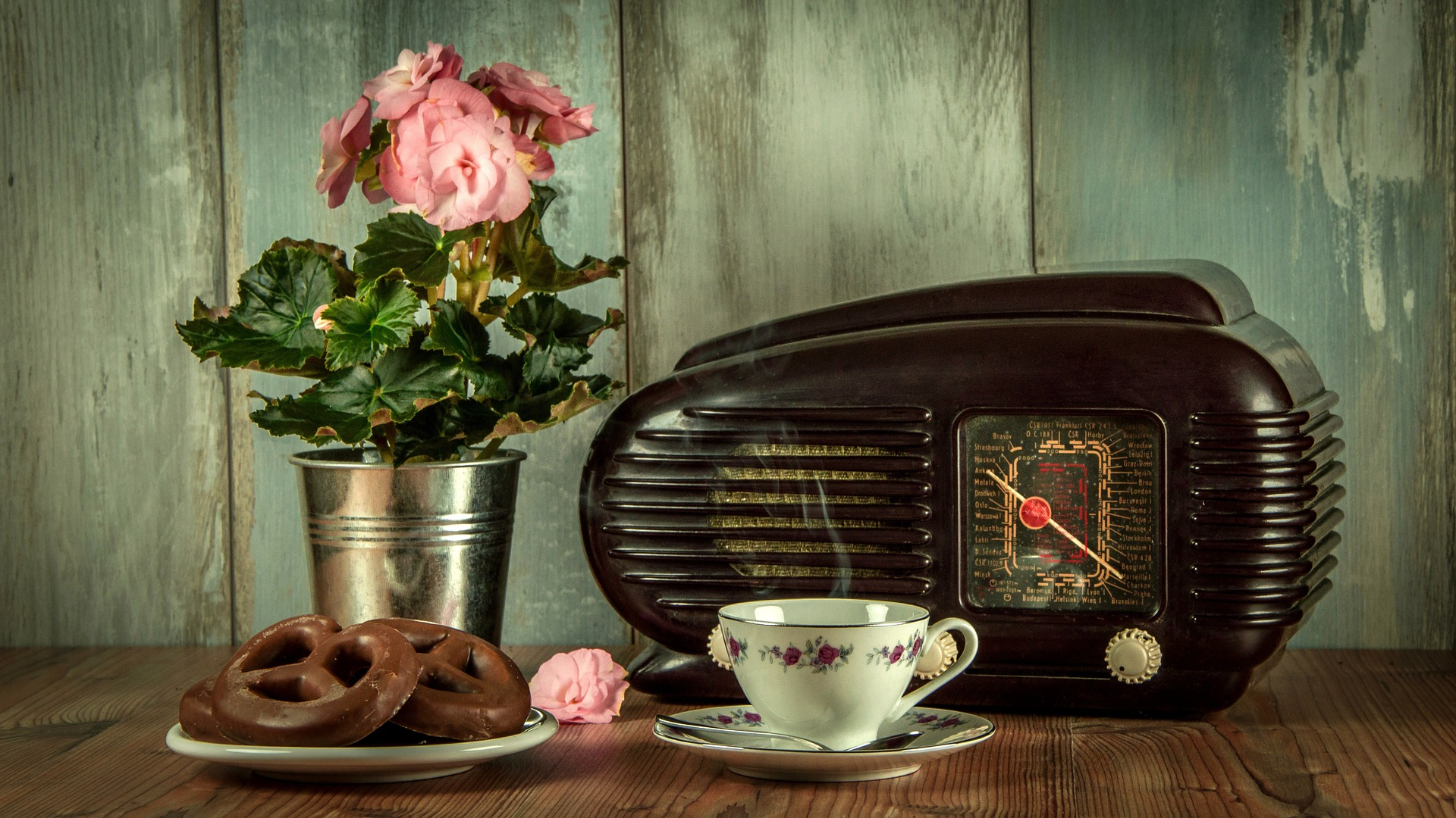 Radio Sweethearts – Anne's Earworms Episode 9